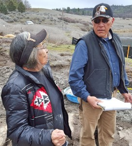 Lomakatsi's Tribal Workforce Manager, Joe Ochoa, discussing riparian planting plans with Illmawi Tribal Cultural Committee member and elder, Cecelia Silvas.