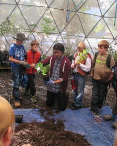 Prior to Streamside Forest Recovery Week, Lomakatsi environmental educators led in-class presentations and nursery activities at Lomakatsi's local native shade house plant nurseries in preparation for the planting event.